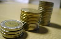 Du kan ofte spare 30-50 %<br/>når både tandbehandling og din ferie er betalt.